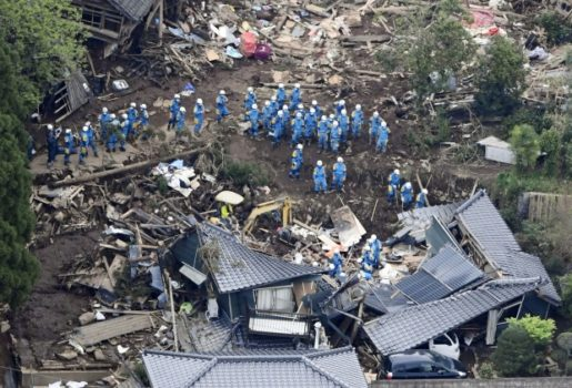 20 000 Japanese troops, along with some police and firefighters, are working to find and rescue survivors. (Image courtesy of Kyodo/Reuters.)