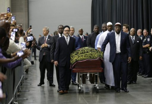 Muhammad Ali's casket arrives in Kentucky, in time for his Jenazah. (Photo courtesy of Toronto Star)